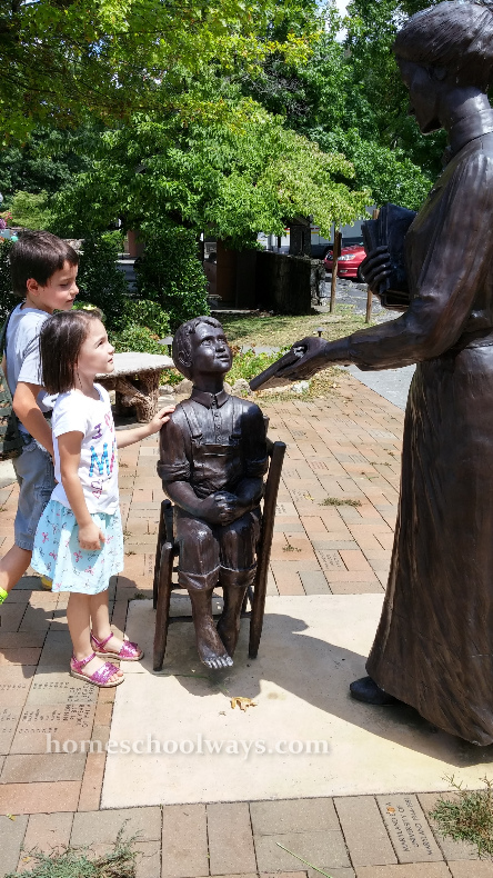 Pi Beta Phi Fraternity Statue