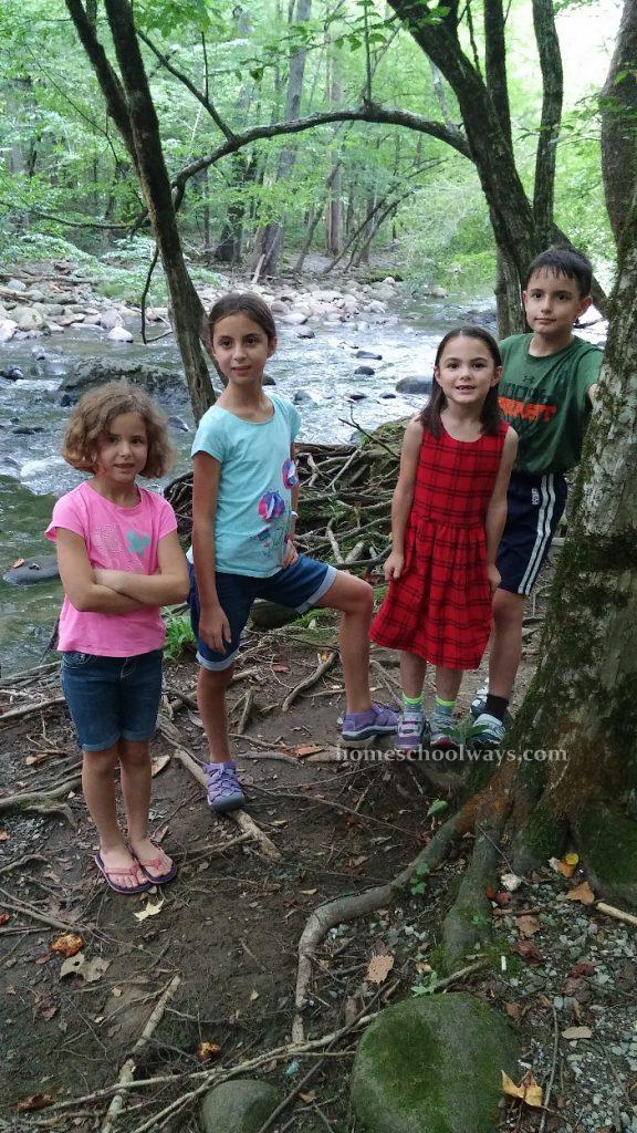 Children on the Gatlinburg Trail